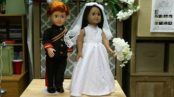 عروسکهای ازدواج شاهزاده هری و مگان مارکل