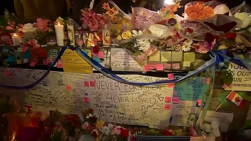 Canadians attend candlelight vigil for van attack victims