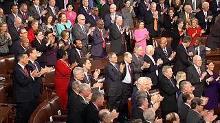 Állva tapsoltak Macronnak az amerikai képviselők