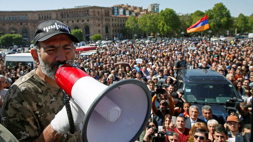 Ermenistan'da muhaliflerin adayı Paşinyan olacak