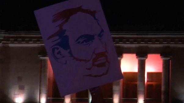 Оппозиция выдвинула Пашиняна в премьеры