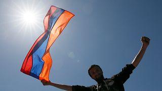 Armenia: l'opposizione candida Nikol Pashinyan a primo ministro