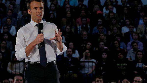 Ο πρόεδρος της Γαλλίας Μακρόν απαντά σε ερωτήσεις φοιτητών στην Ουάσινγκτον