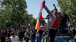 Az ellenzék vezérét szeretnék miniszterelnökként látni az örmény tüntetők