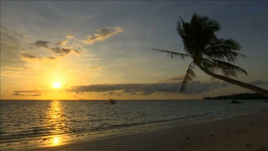 Filippine, l'isola di Boracay chiude per troppa sporcizia