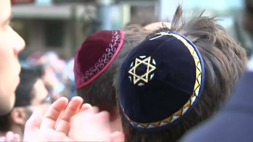 Marcha da quipa contra o antissemitismo