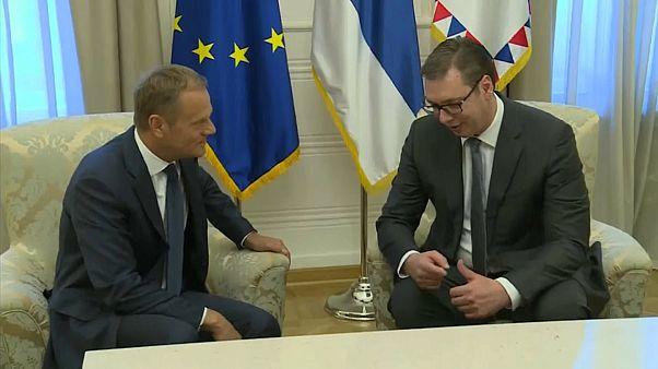 Туск зовет Сербию в Евросоюз