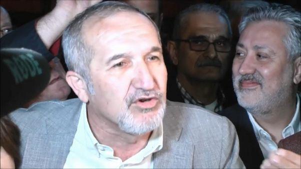 """Diretor do """"Cumhuriyet"""" diz que o veredito não vai calar o jornal"""