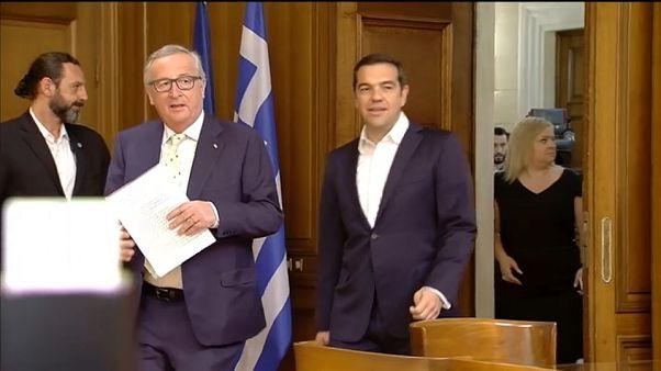 Juncker respalda la recuperación de Grecia