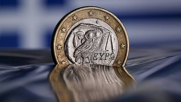 ΟΟΣΑ: Αυξημένα βάρη από φόρους και εισφορές για τα ελληνικά νοικοκυριά