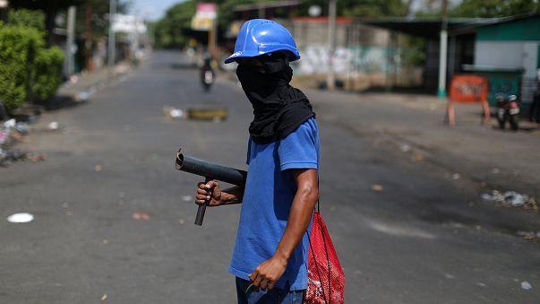Estudiantes nicaragüenses atrincherados para exigir la salida de Ortega