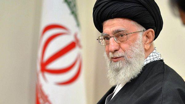 خامنئي: على الدول الإسلامية أن تتحد ضد أمريكا