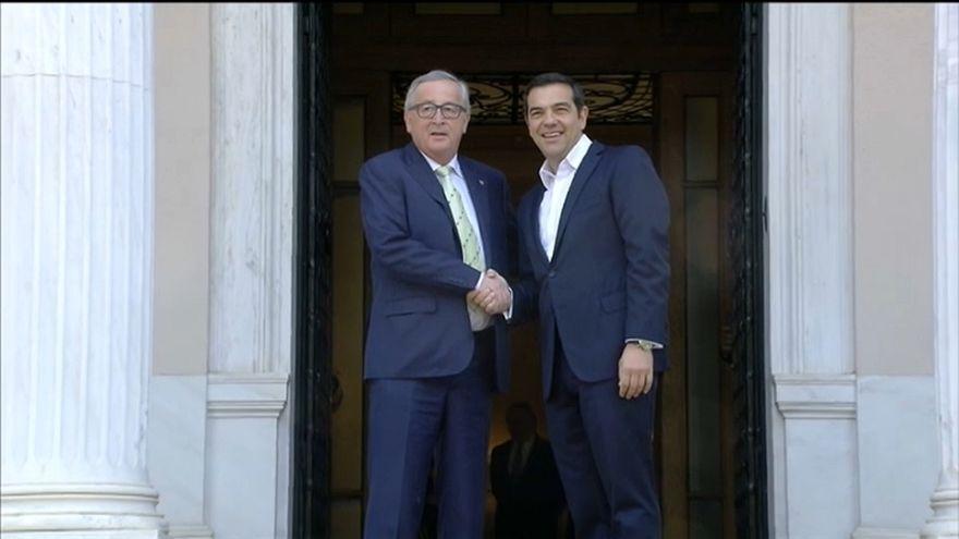 Juncker e Tsipras de acordo sobre a saída da Grécia do programa de resgate