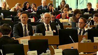 """Ungarns Außenminister nennt EU-Bericht """"Lügen"""""""