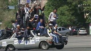 """Oposição arménia reivindica a """"capitulação"""" do partido no poder"""
