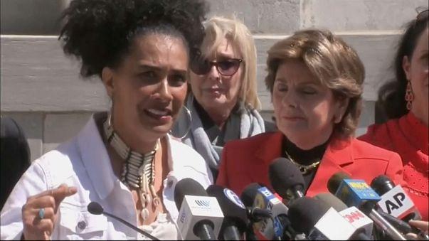 """Condenação de Cosby """"é mensagem para mulheres de todo o mundo"""""""
