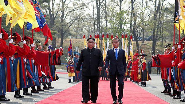 Ν.Κορέα: Οι πρώτες κοινές δηλώσεις Κιμ- Μουν στο πλαίσιο της ιστορικής συνόδου