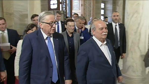 Dışişleri: Juncker'in çağrısı bilirkişi edasında, ciddiyetten uzak