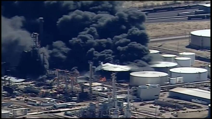 Oil refinery fire in the Wisconsin town of Superior
