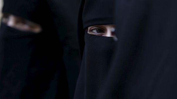 In Frankfurt gelandet: Deutsche IS-Frauen auf freiem Fuß