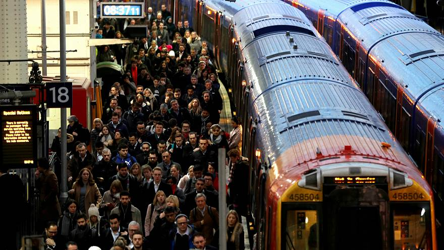 سكك الحديد البريطانية تواجه إخفاقا في نموذج عملها