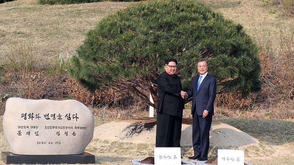 Βόρεια και Νότια Κορέα: Συμφωνία κορυφής για το τέλος του πολέμου