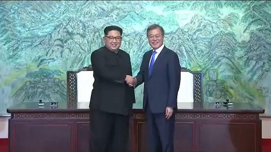 Két Korea: történelmi kézfogás és megállapodás