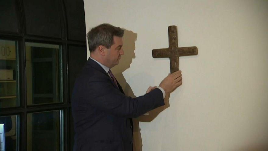 Petição contra o crucifixo