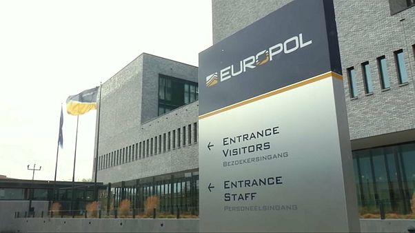 Европол: нанесён сокрушительный удар по пропаганде ИГИЛ