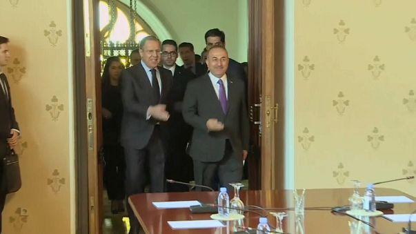 Rusia, Irán y Turquía defienden la vía política para Siria