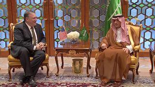 بومبيو خلال لقائه بوزير الخراجية السعودي عادل الجبير