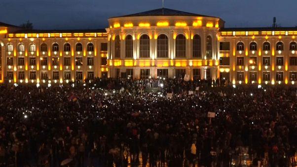 """Armenia, Pashinyan: """"Urge un nuovo Governo"""""""