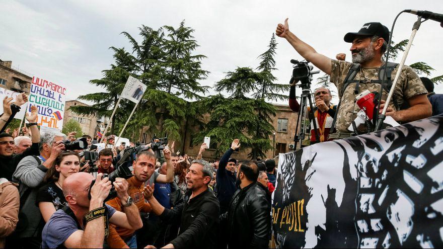 Nikol Pashinyan lidera protestos e tem o apoio de muitos arménios