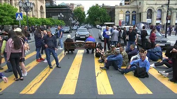 La oposición armenia reanuda acciones de protesta