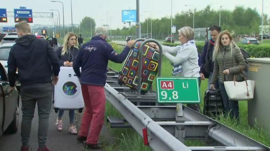 Vuelos cancelados y retrasos en el aeropuerto de Ámsterdam-Schiphol