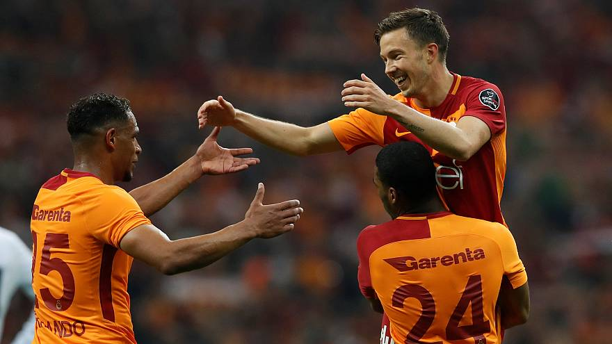 Dev derbi Galatasaray'ın: 2-0