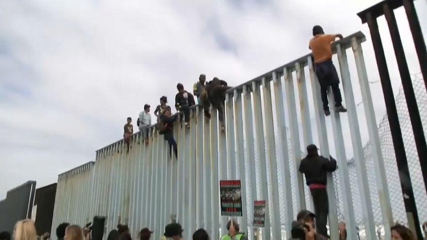 Migranten erreichen US-Grenze