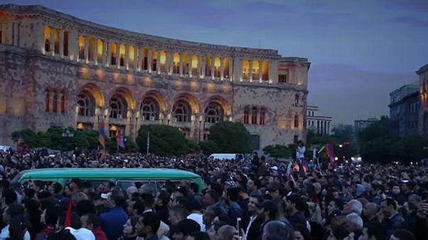 Örményország a tüntetők kezében