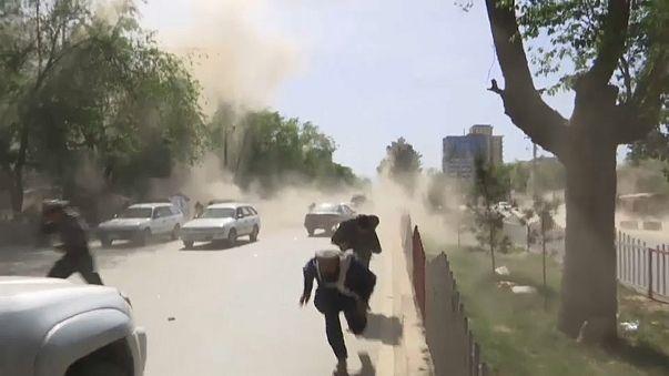 Kabil'de çifte saldırı: En az 21 ölü