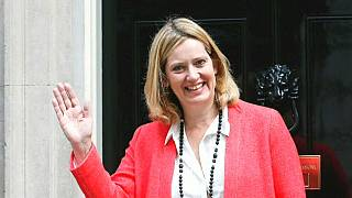 Bufera sul Regno Unito: si dimette il ministro dell'Interno
