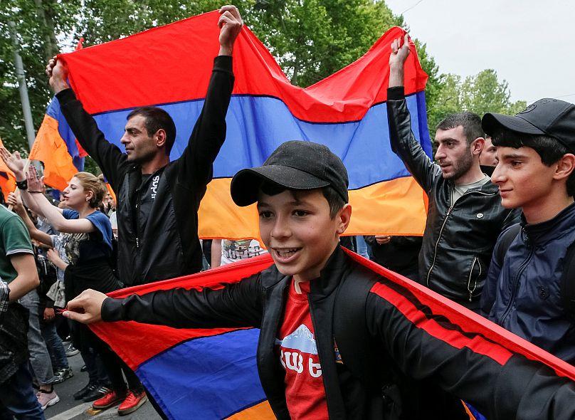 Parlamento armenio realizará segunda votación para elegir nuevo PM