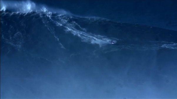 Rodrigo Koxa y la ola más grande jamás surfeada