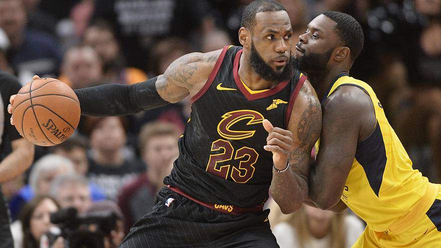 NBA'de LeBron James fırtına gibi esti