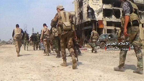 """Сирийская армия ведет """"зачистку"""" в пригородах Дамаска"""