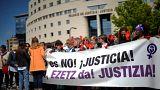 Ισπανία: Μεγαλύτερες διαμαρτυρίες κατά της απόφασης για τον βιασμό 18χρονης