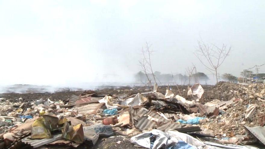 شاهد: حريق ضخم بأكبر مكب للنفايات بميانمار