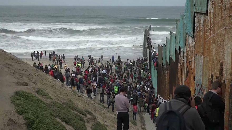 """Migrantenkarawane"" an der Grenze Mexiko-USA"