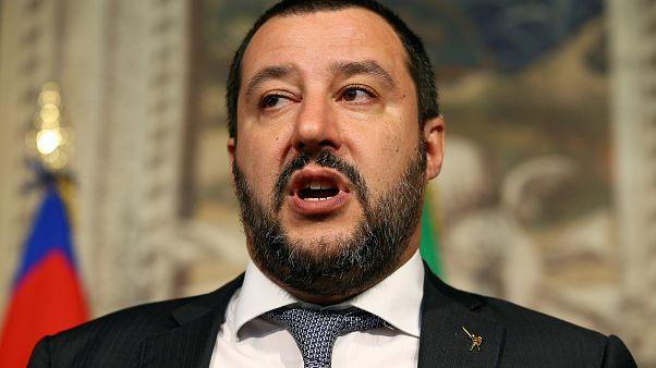 Lässt der Lega-Chef Berlusconi fallen, um mit 5-Sterne eine Regierung zu bilden?