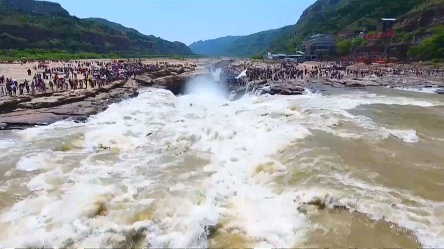 Cina: boom di visite alla cascata di Hukou