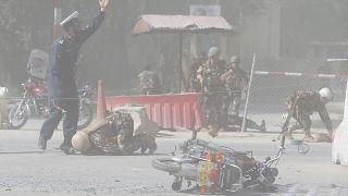 Καμπούλ: Διπλή βομβιστική επίθεση με δεκάδες θύματα